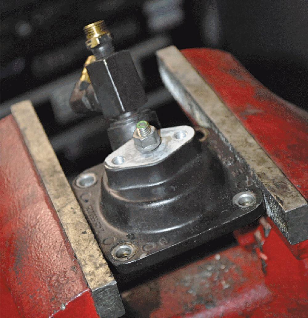 Cummins P7100 pre-boost screw