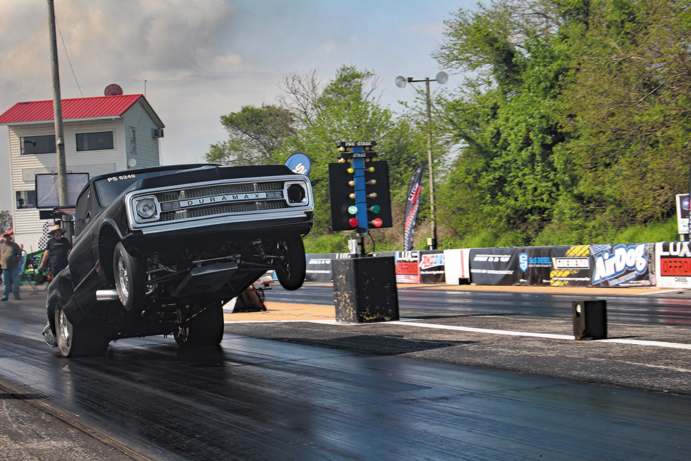 Brett Deutsch's 2,200-rwhp Duramax-powered '69 Chevy C10