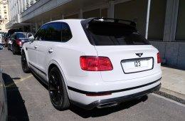Bentley_Bentayga_Qatar_Personalized_plate_(42181770945)